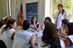Equipe do Centro de Hospitalidade criado para atender familiares de vítimas de incêndio em Santa MariaFoto: Rui Felten/Divulgação PMPA