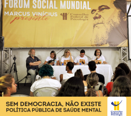 Mesa de debates do CFP sobre luta antimanicomial no Fórum Social Mundial