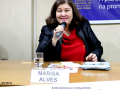 Na foto, conselheira Marisa Helena, do CFP, falando sobre Psicologia em emergências e desastres, em evento do CRP-04